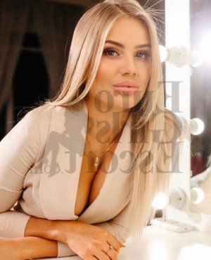 Laureline live escort & thai massage