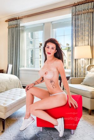 Anna-christina erotic massage and ebony call girl