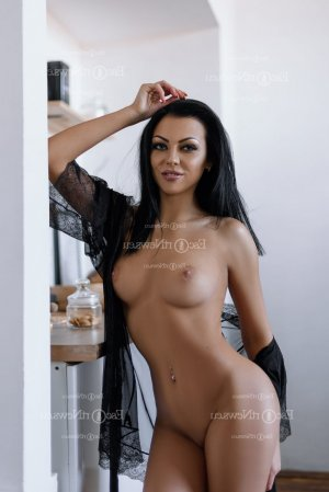 Anesa happy ending massage, escort