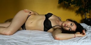 Gwanaelle nuru massage & escorts