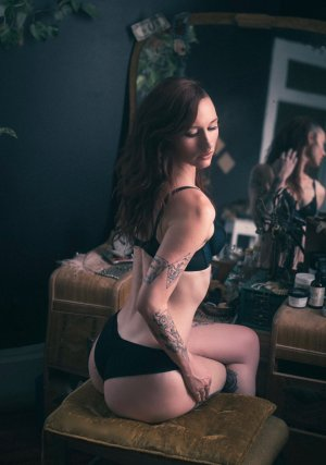 Marjelaine erotic massage in Seneca, live escort